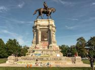 The recently defaced Robert E. Lee monument on Monument Avenue in Richmond, Virginia.