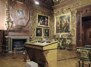 A view inside the stately Chatsworth House of Derbyshire