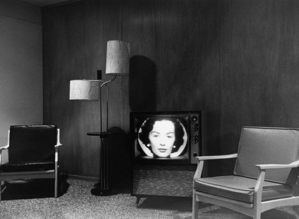 Lee Friedlander photograph of tv screen in an empty room