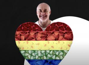 Damien Hirst with heart
