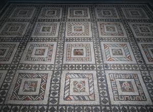 Coffered pattern mosaic, 1st century BC.