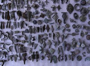 small metal artifacts