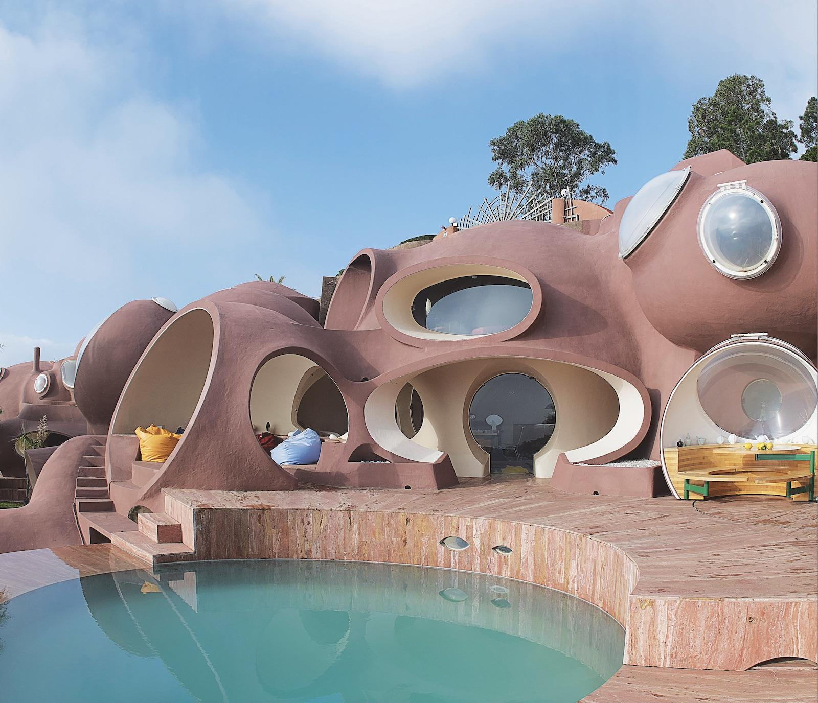 Bubble Palace, 1989, Théoule-sur-Mer, France, Antti Lovag. Picture credit: © Yves Gellie for The Maison Bernard Endowment Fund