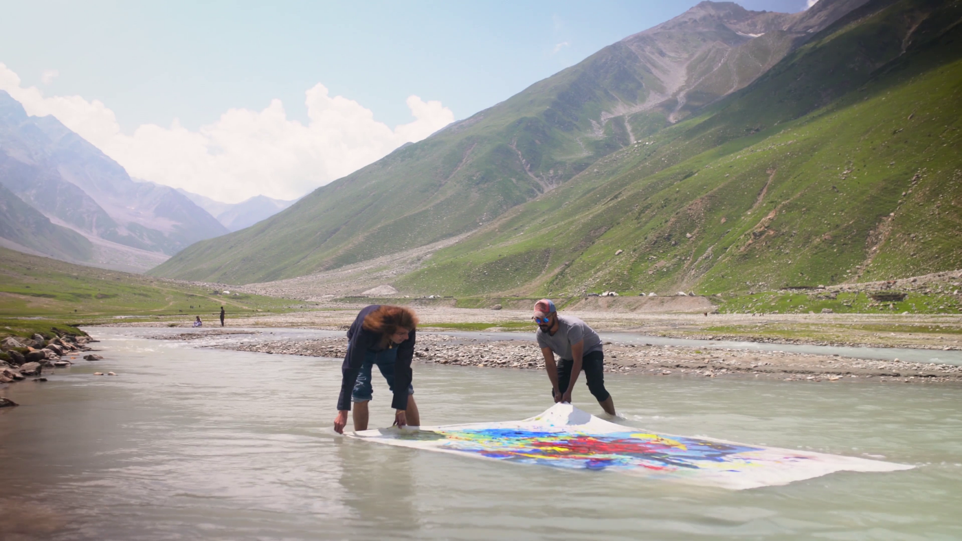 Nasser Azam painting on the bank of Saiful Malook lake, August 2018