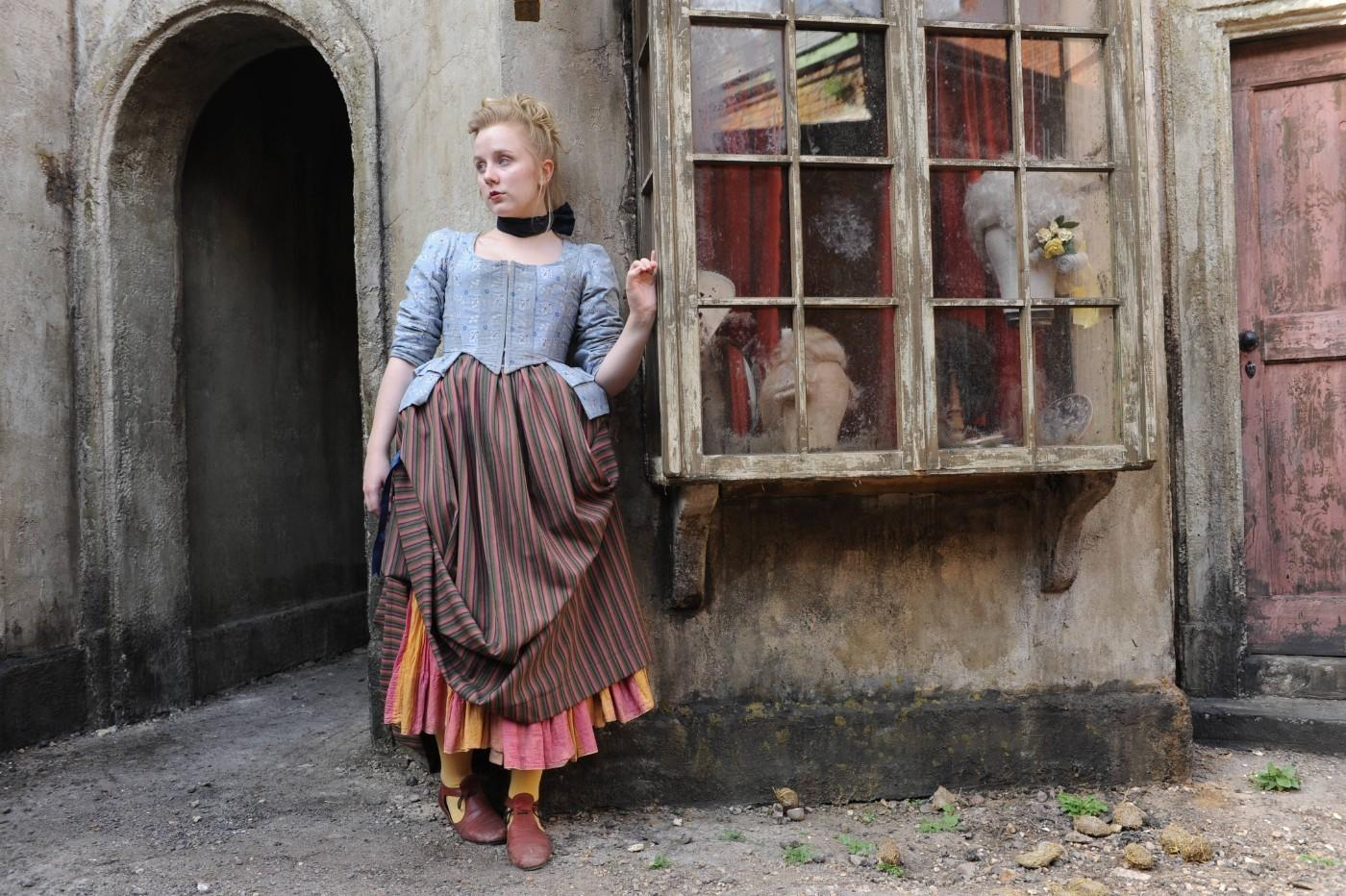 Street Girl Betsey Fletcher (Alexa Davies), Harlots Episode 101, Costumes by Edward Gibbon