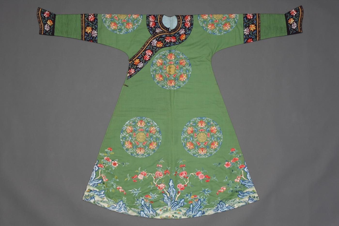 Festive robe with bats, lotuses, and the character for longevity