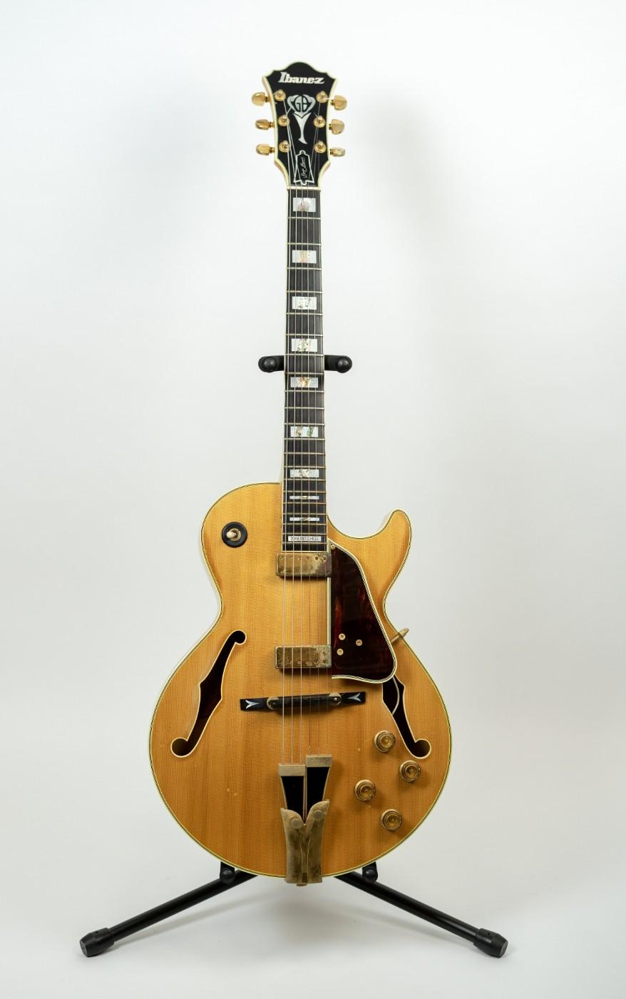 Joni Mitchell used this Ibanez archtop on the 1979 live album Shadows and Light and also on the 1983 Refuge World Tour.