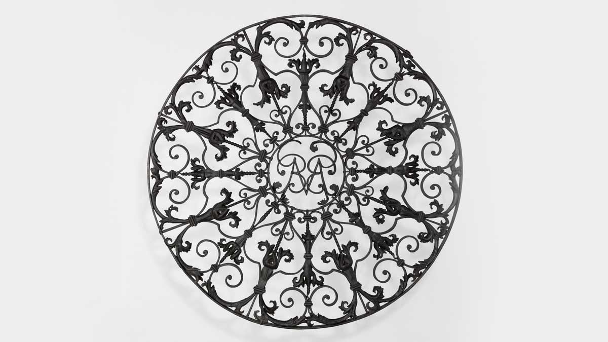 Circular Grille, French