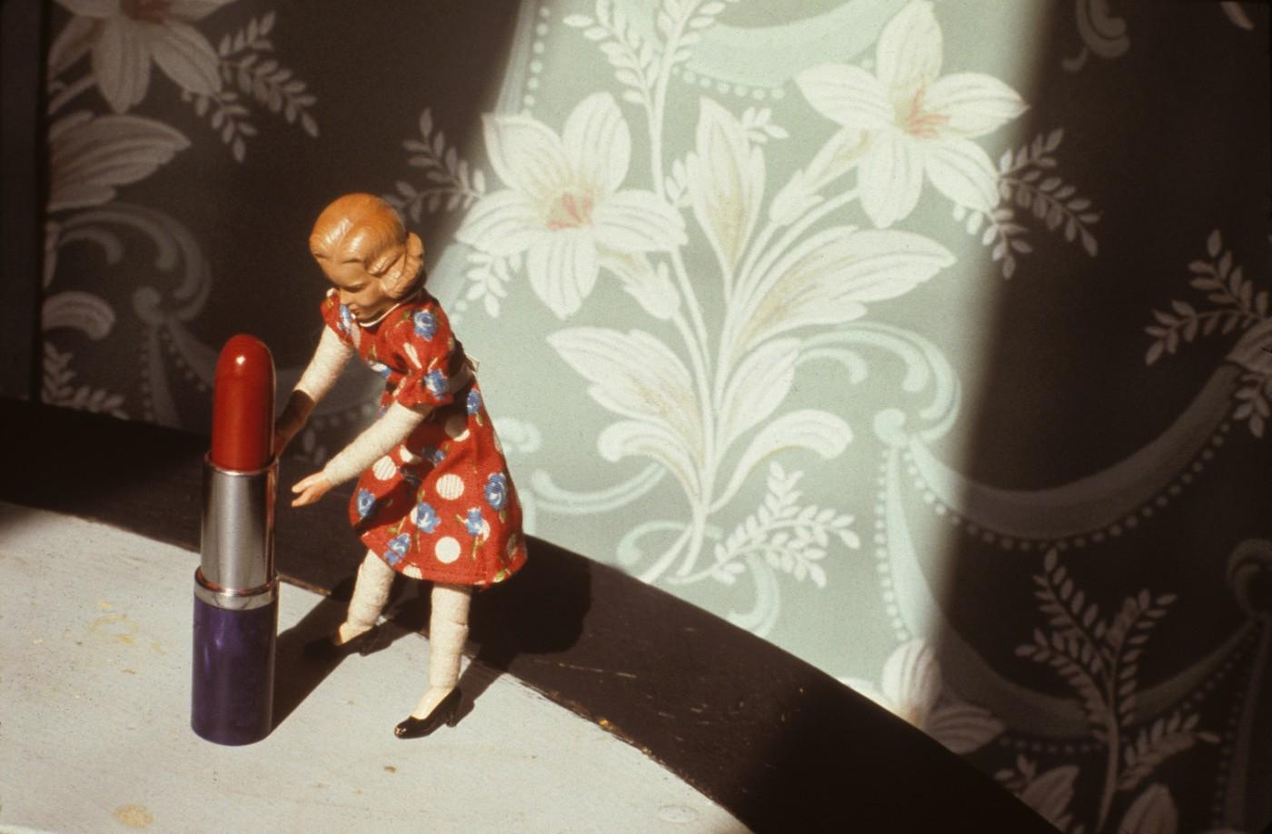 Laurie Simmons, Pushing Lipstick (Spotlight), 1979