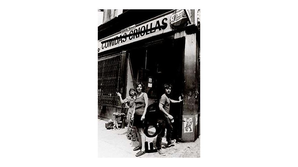 Opening the doors of Food, 1971 (Gordon Matta-Clark to the right)