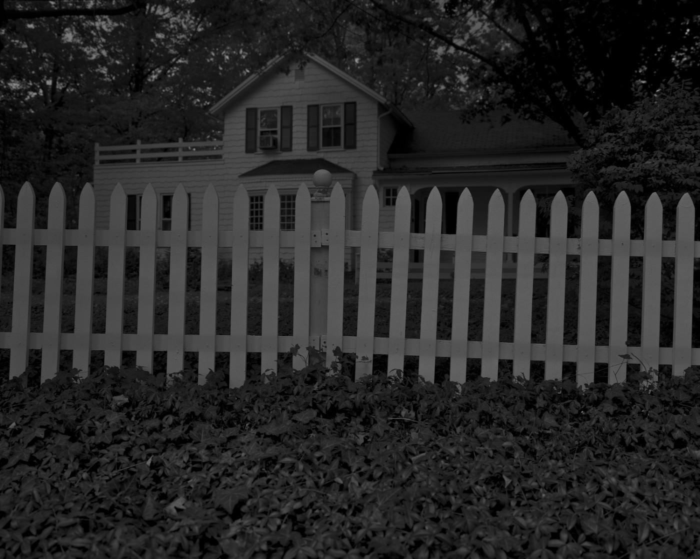 Dawoud Bey. Untitled #1 (Picket Fence and Farmhouse)